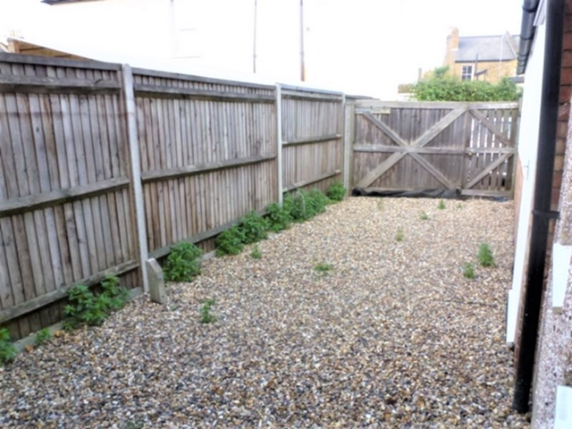 House To Rent In South Wimbledon L2L3269-1546