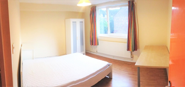 Property To Rent In London L2L3269-1660