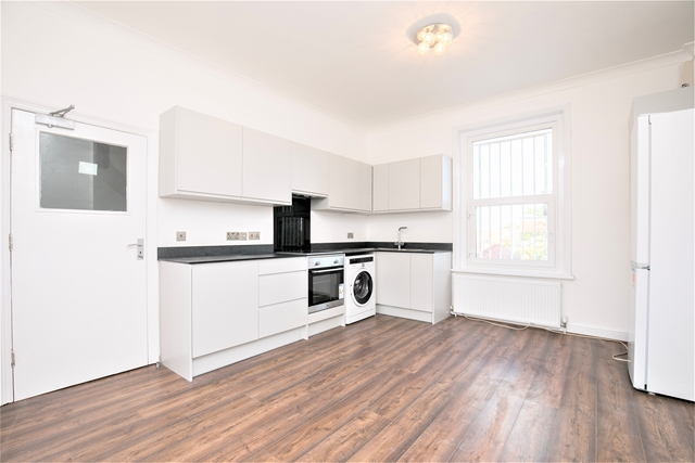 Property To Rent In London L2L3269-2505