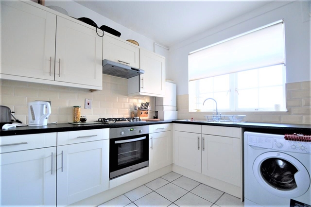 Property & Flats to rent with Sharpes Letting & property Management (London  L2L3269-875