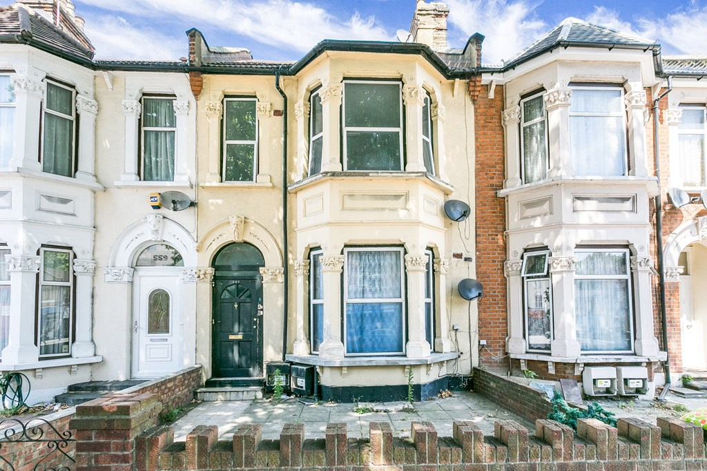 Property & Flats to rent with Spencers Property - Forest Gate L2L3331-582