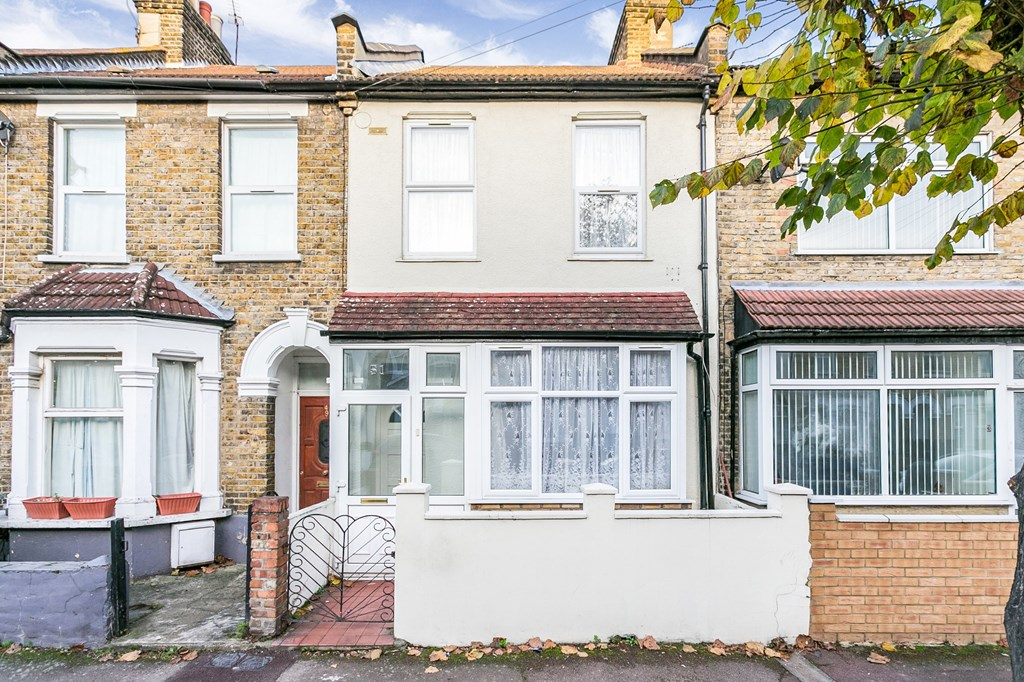 Property & Flats to rent with Spencers Property - Forest Gate L2L3331-603