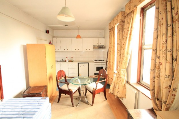 Flats And Apartments To Rent In London L2L3336-680