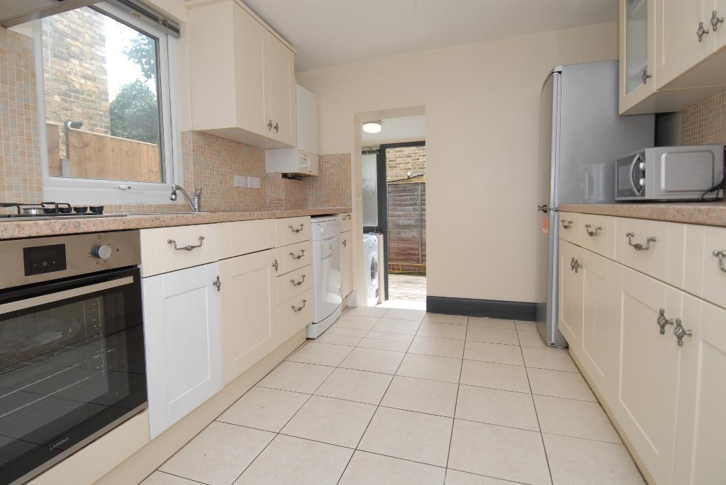 House To Rent In Tooting L2L3476-100