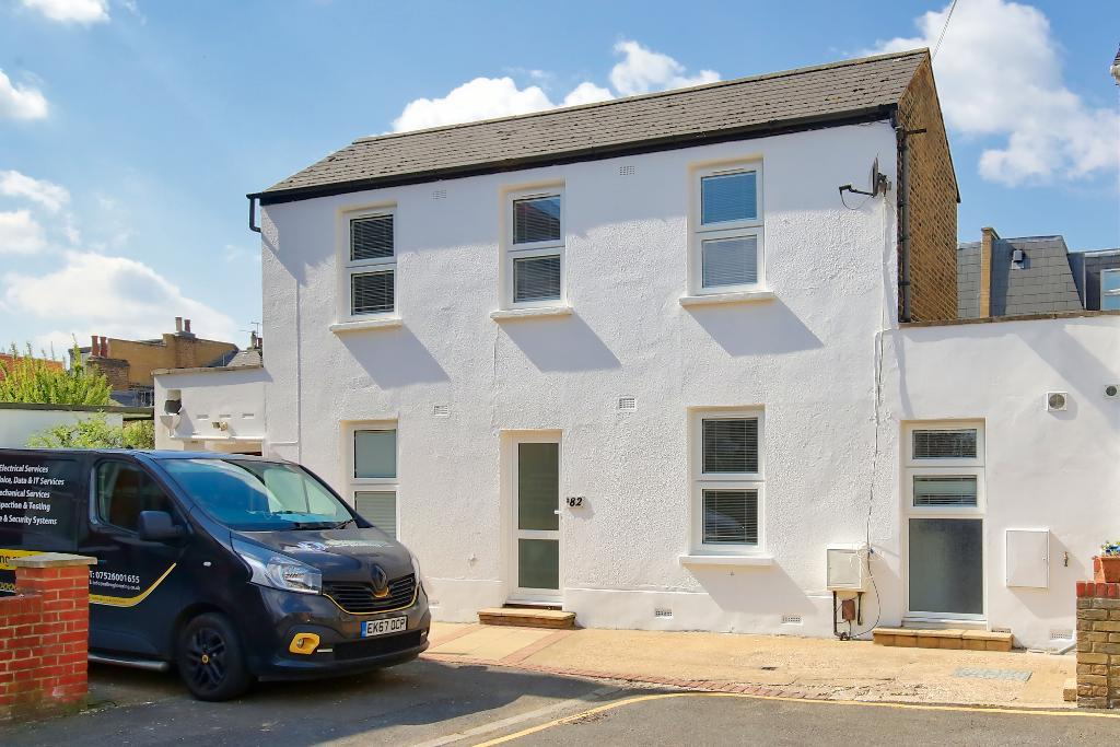 Property To Rent In London L2L3476-1934