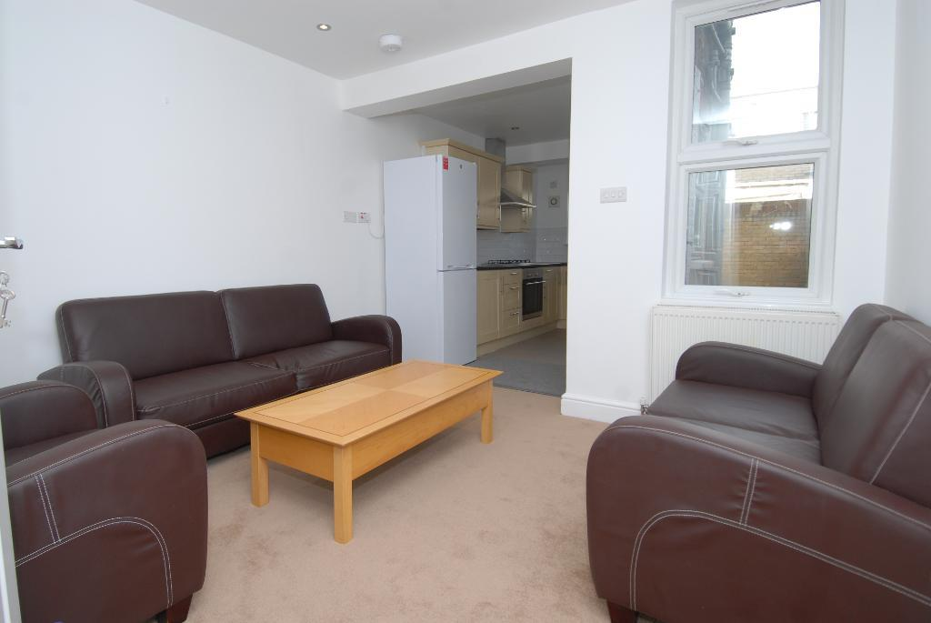 House To Rent In London L2L3476-382