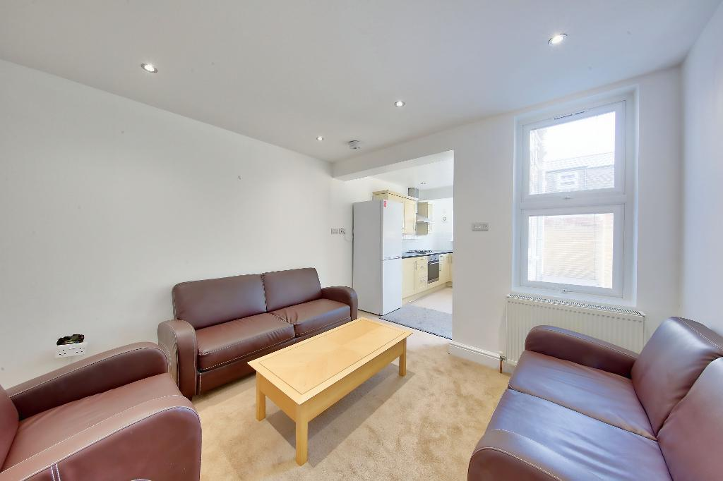 Property To Rent In London L2L3476-739