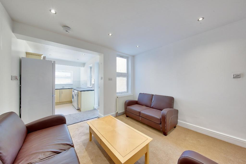 House To Rent In London L2L3476-739