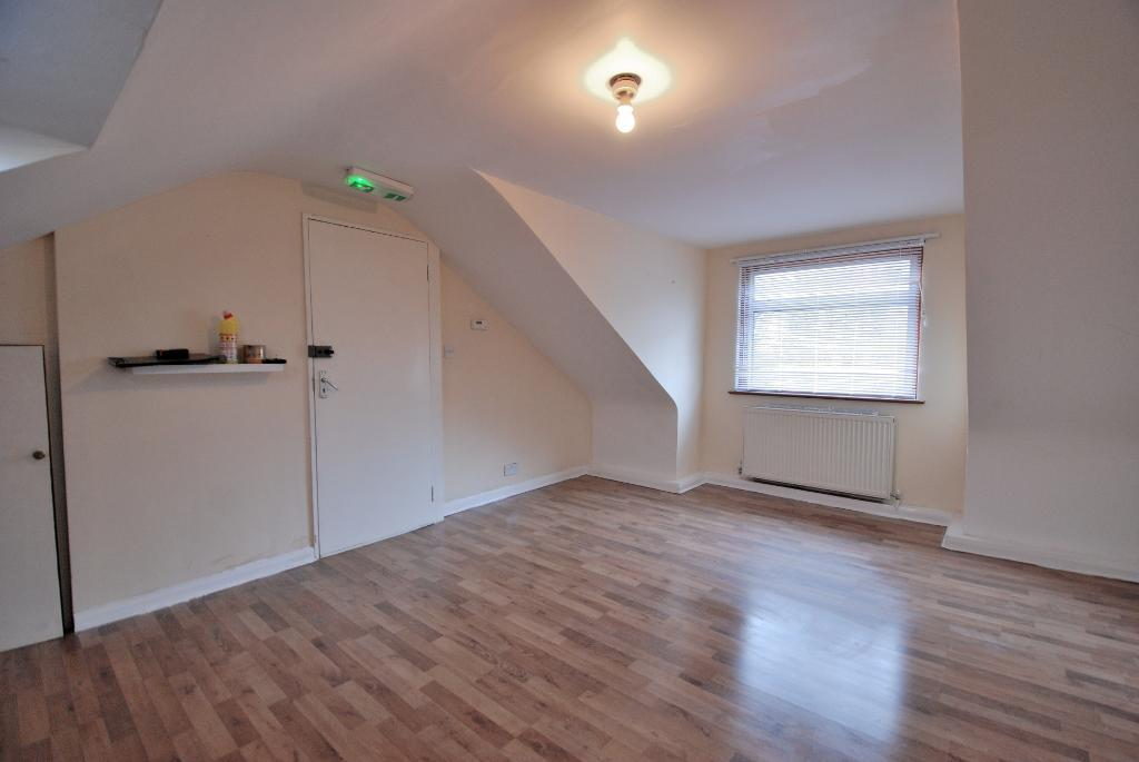 Flats And Apartments To Rent In London L2L3535-175