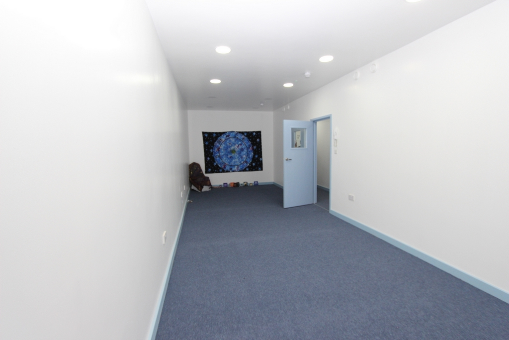 Commercial Property To Rent In London L2L354-349