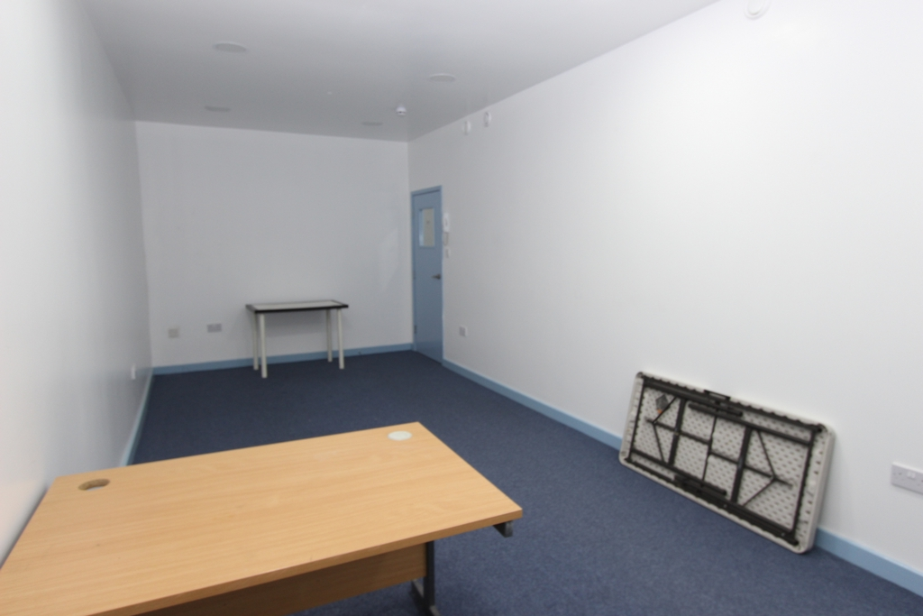 Commercial Property To Rent In South Wimbledon L2L354-349