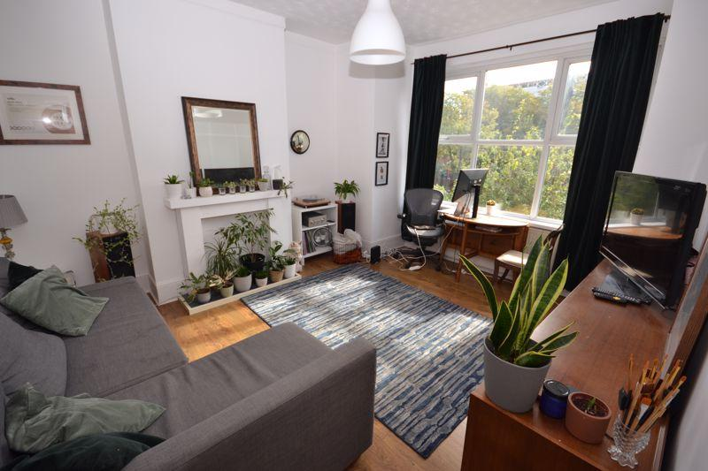 Flats And Apartments To Rent In London L2L3670-1412