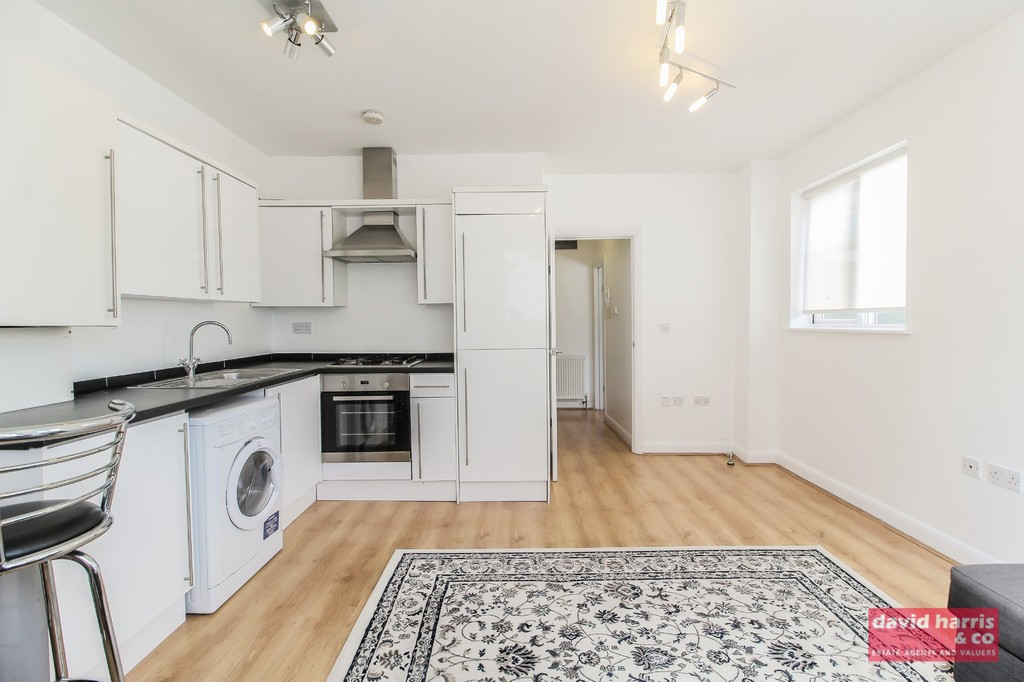 Student To Rent In Holders Hill L2L3681-550