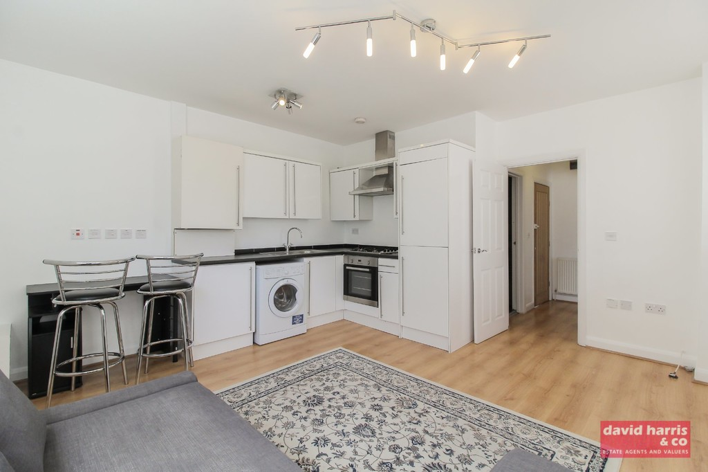 Rent In Holders Hill L2L3681-550