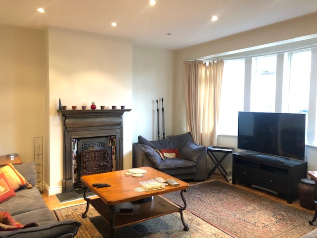 House To Rent In London L2L3681-709