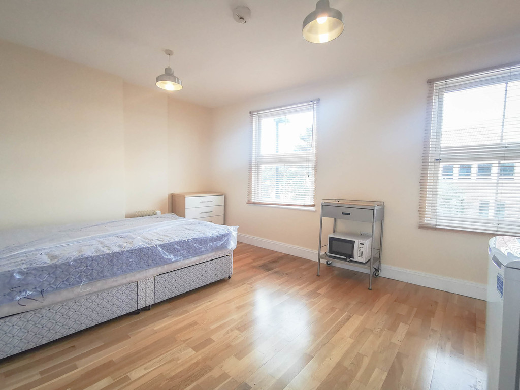 Property To Rent In London L2L3681-748