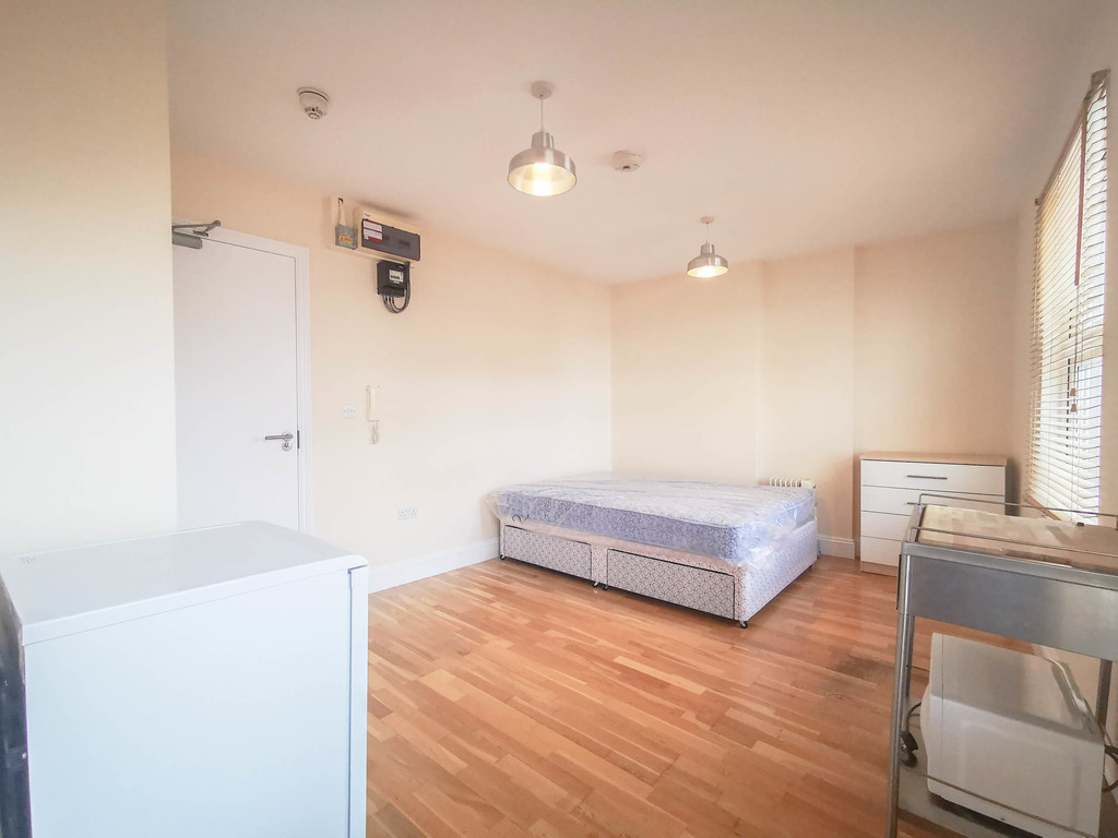 Student To Rent In London L2L3681-748