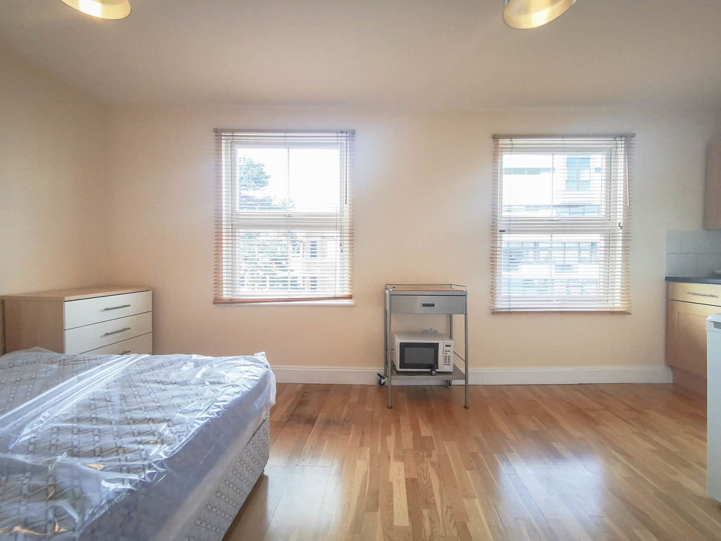 Student To Rent In Finchley L2L3681-748