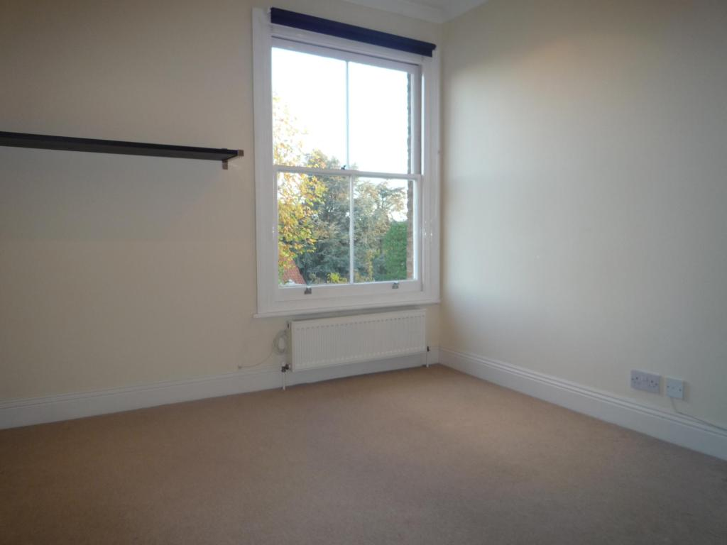 Flats And Apartments To Rent In Surbiton L2L3776-407