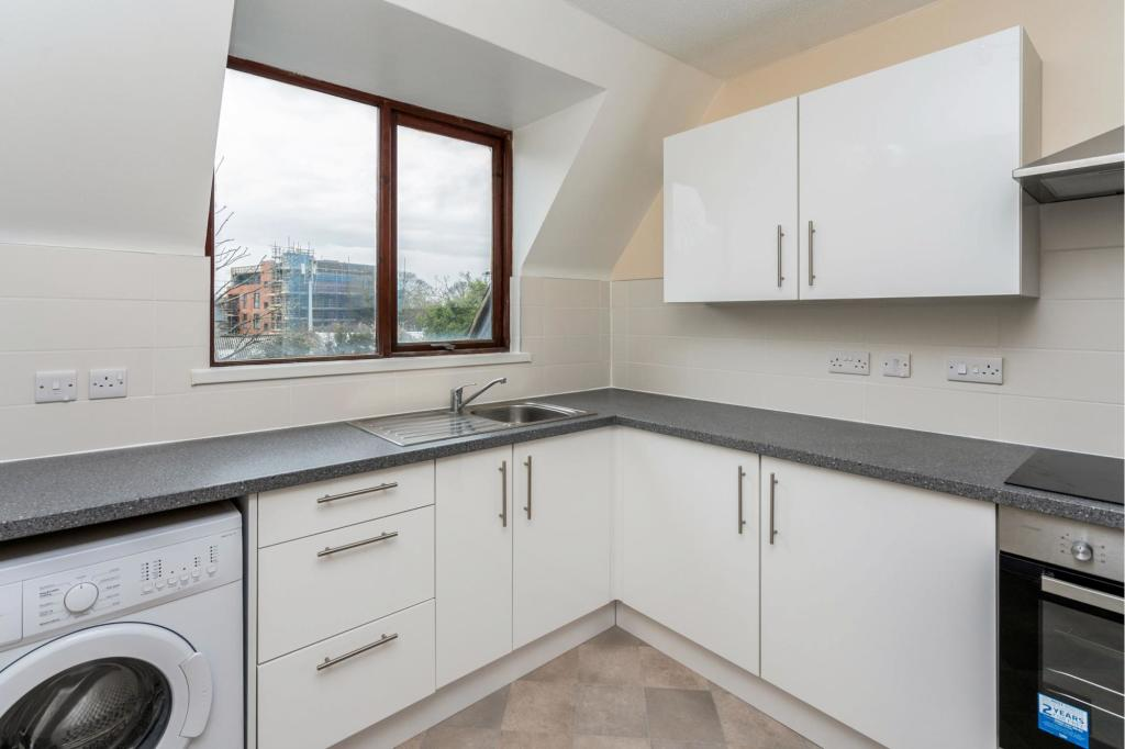 Flats And Apartments To Rent In London L2L3777-100
