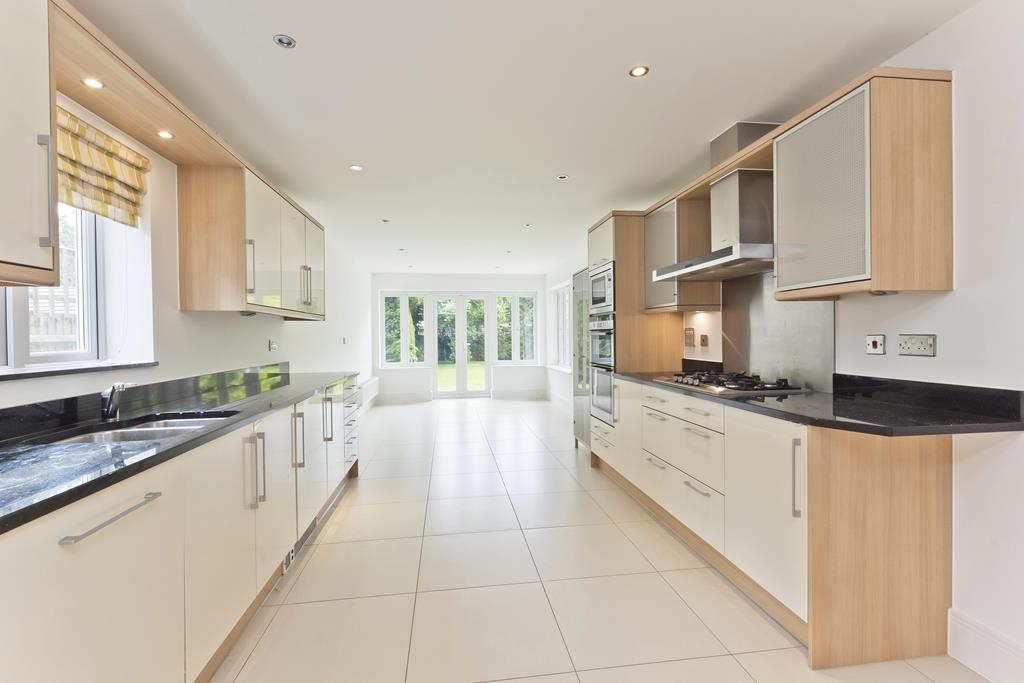 House To Rent In London L2L3800-1166