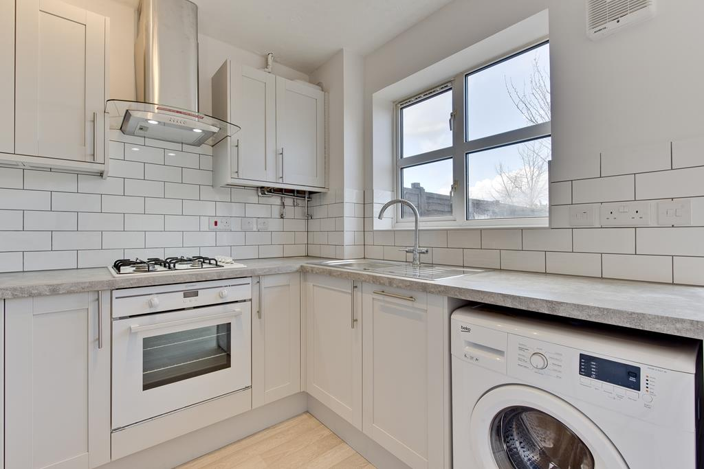 Property To Rent In London L2L3801-100