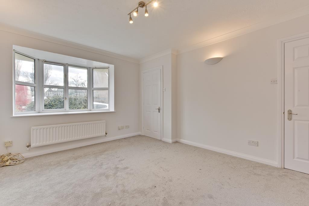 House To Rent In London L2L3801-100