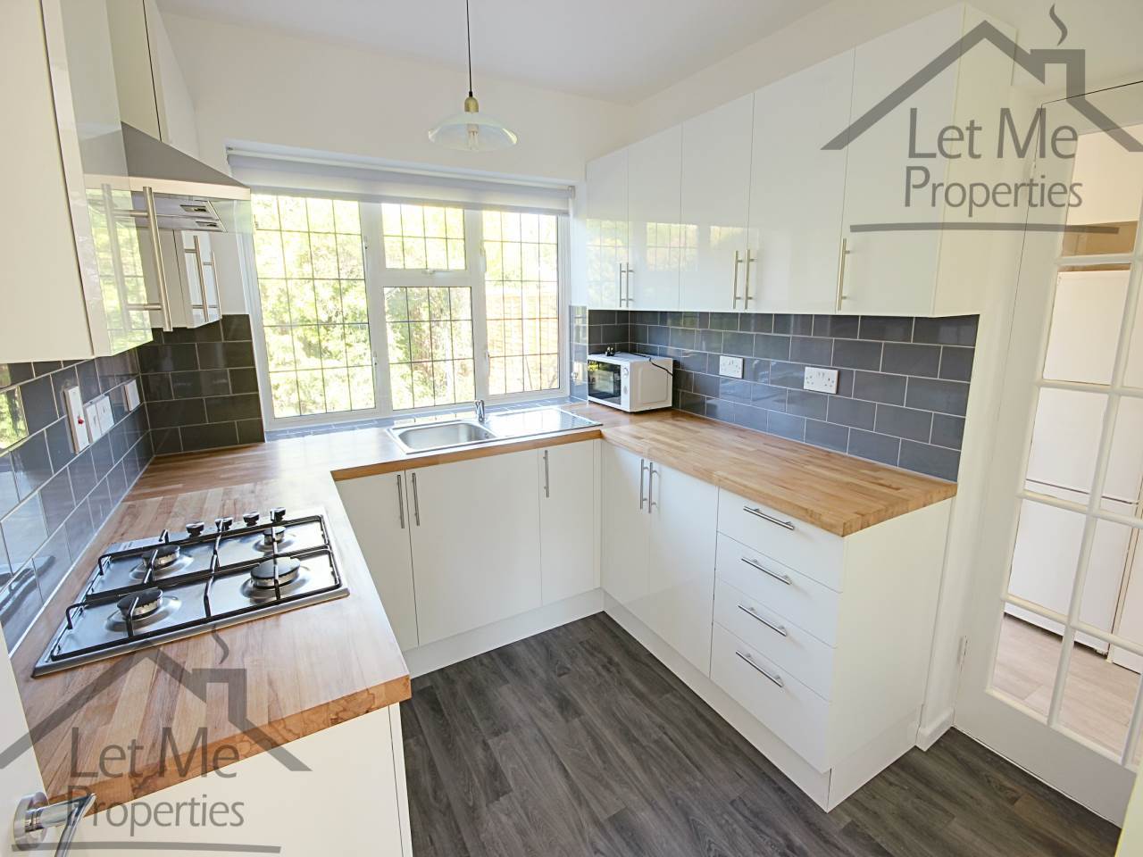 House To Rent In London L2L3840-111