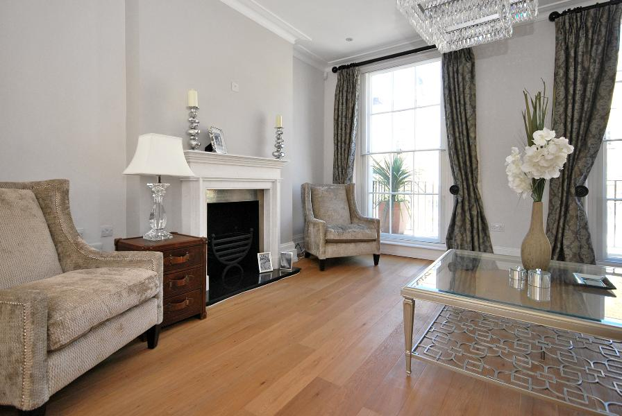 House To Rent In Ebury L2L388-114
