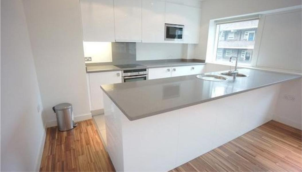 Property To Rent In London L2L388-1133