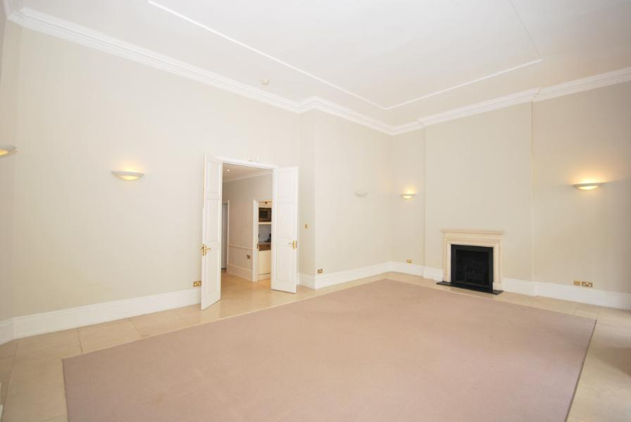 House To Rent In London L2L388-139