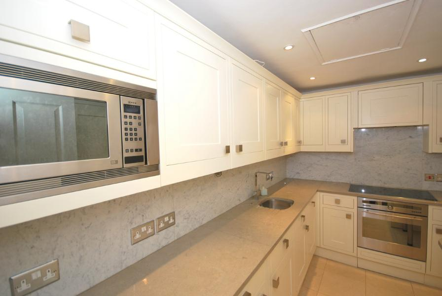 House To Rent In Ebury L2L388-139