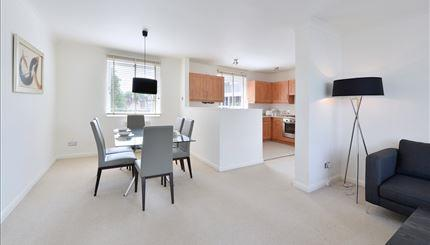Property To Rent In London L2L388-1033