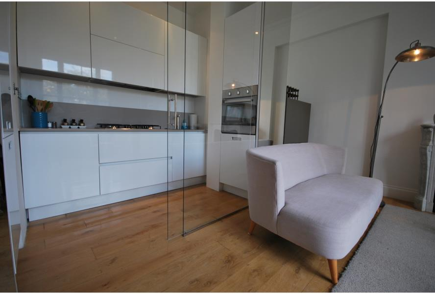 Flats And Apartments To Rent In London L2L388-1076