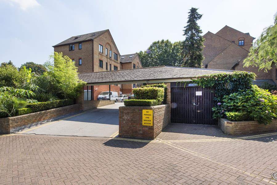 Property To Rent In London L2L388-1094