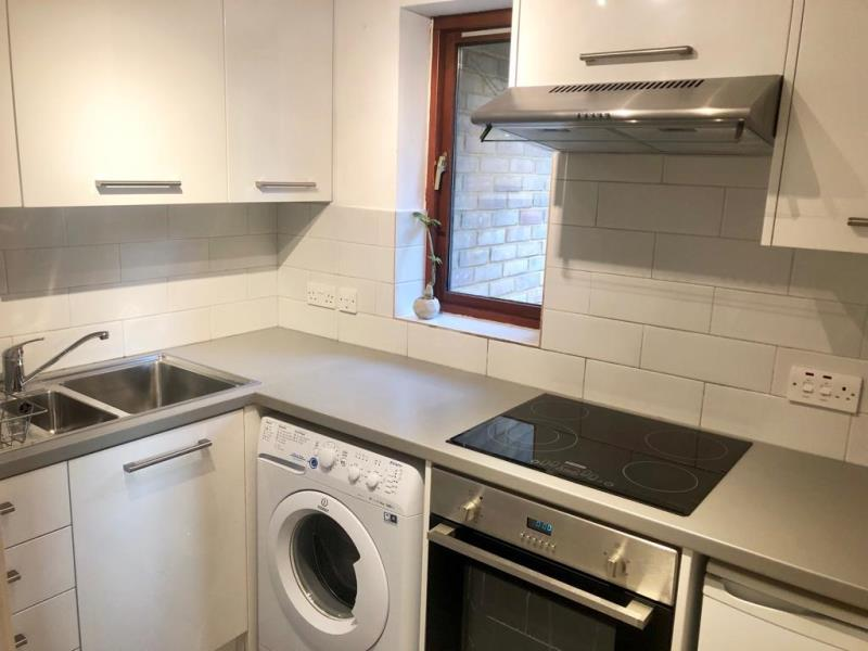 Flats And Apartments To Rent In London L2L388-1170