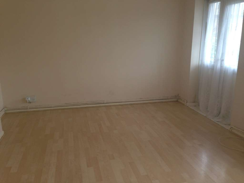 Student To Rent In London L2L3914-1330