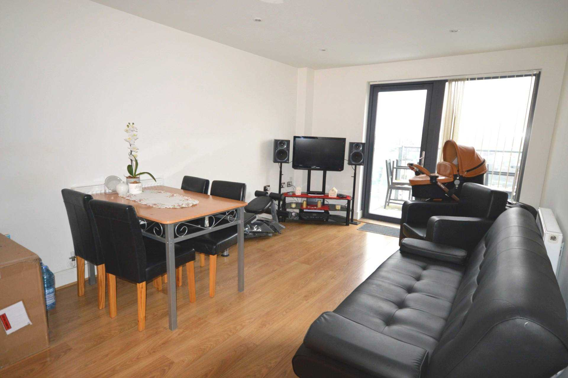 Property To Rent In London L2L3914-2741