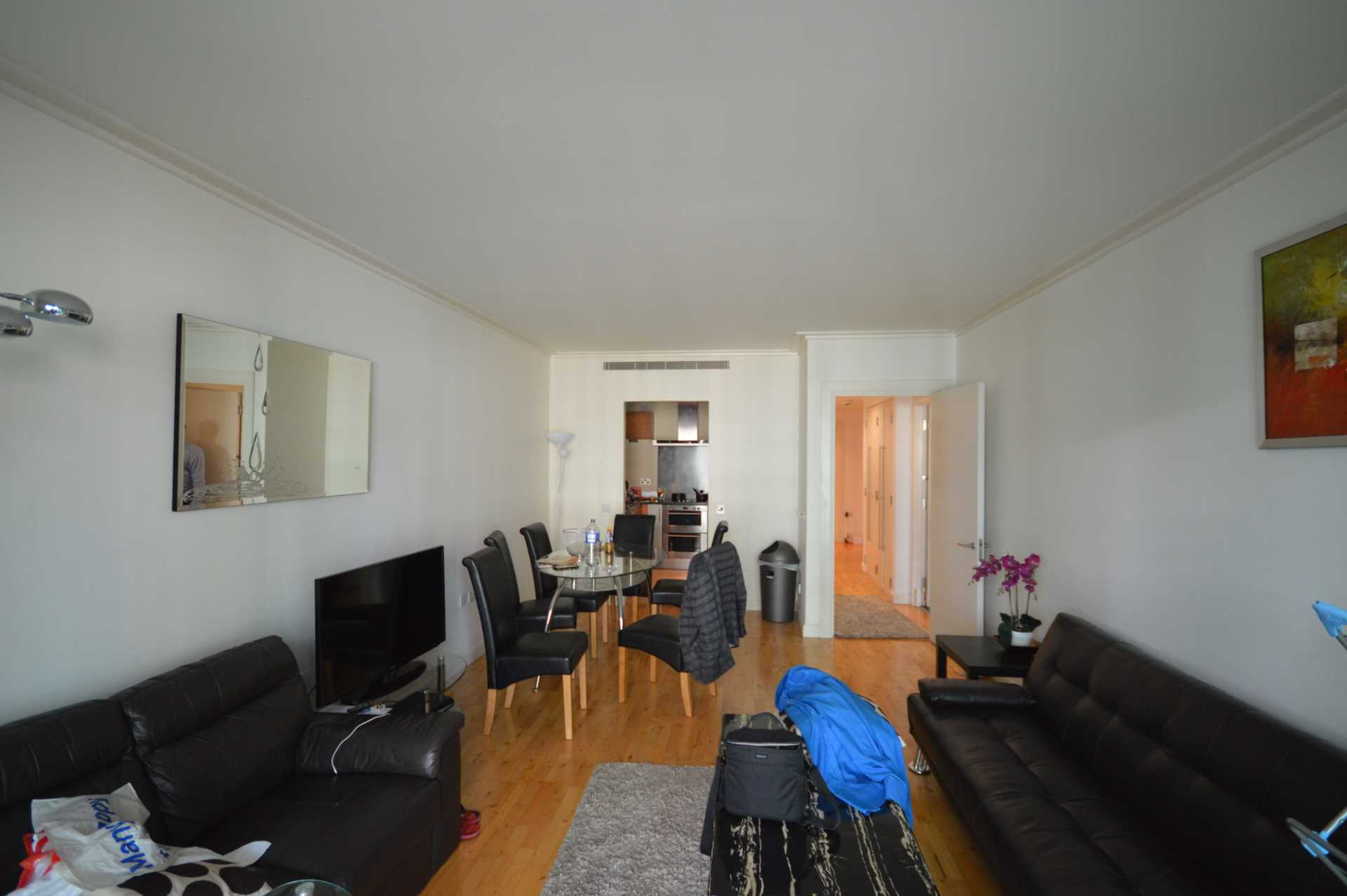 Flats And Apartments To Rent In London L2L3914-1479