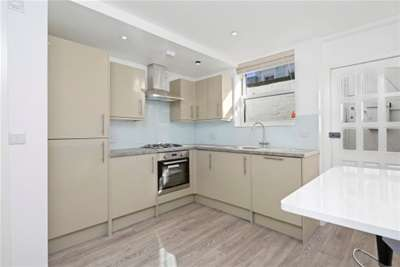 Property & Flats to rent with John D Wood Lettings (Kensington) L2L3936-379