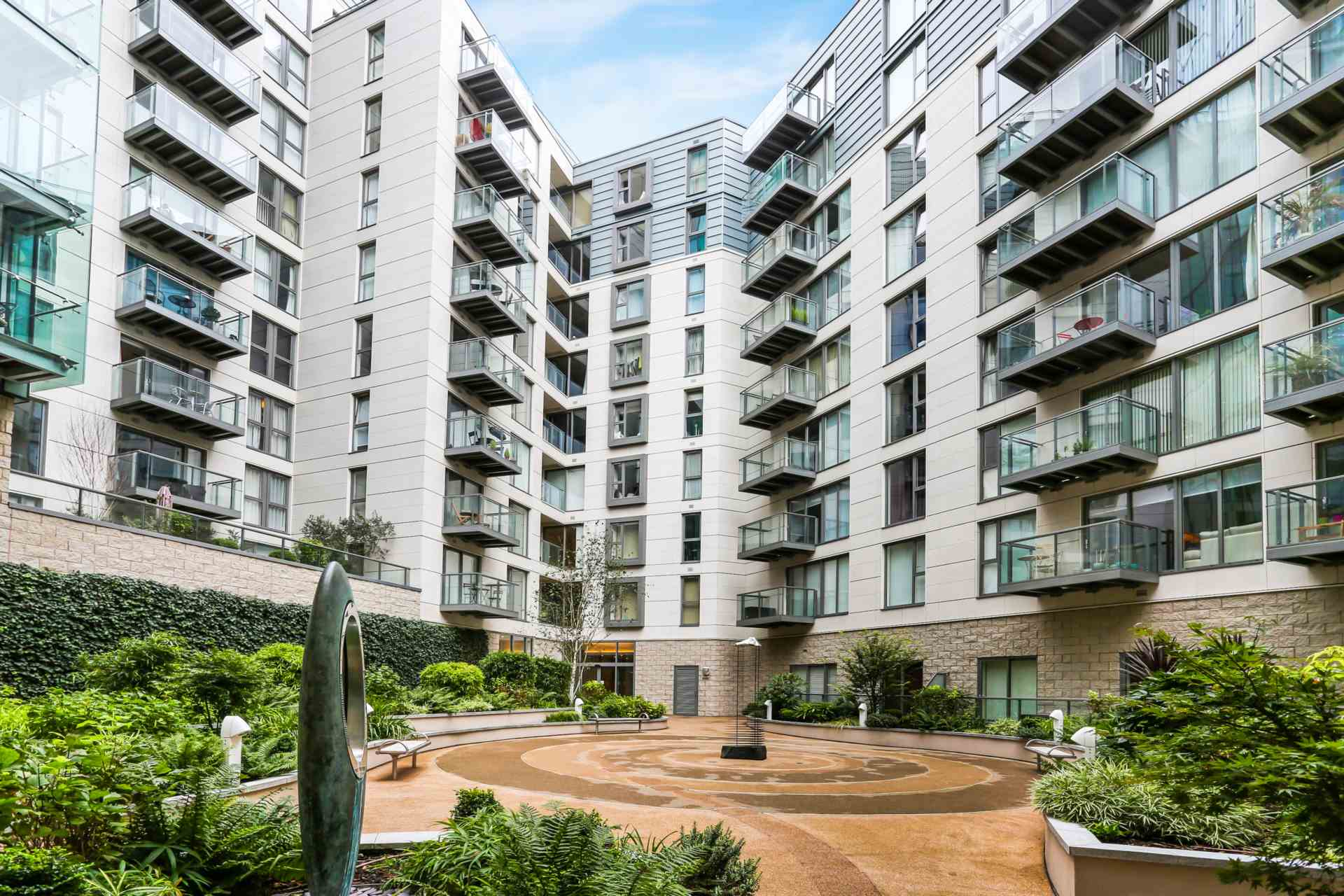 Property To Rent In London L2L3938-100