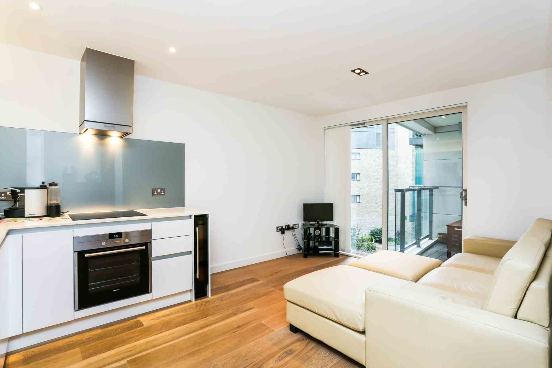 Flats And Apartments To Rent In London L2L3938-100
