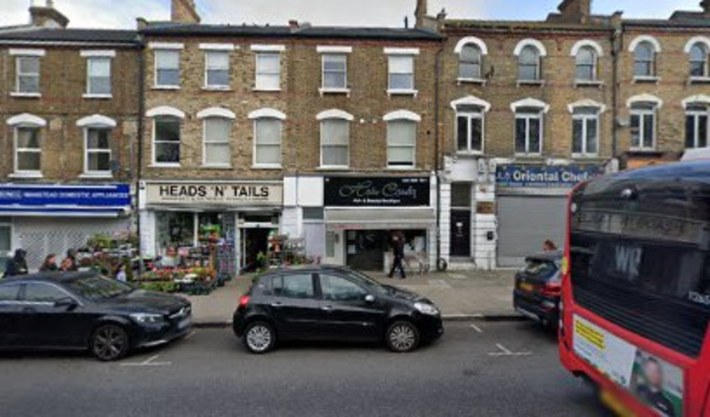 Property To Rent In London L2L395-3213