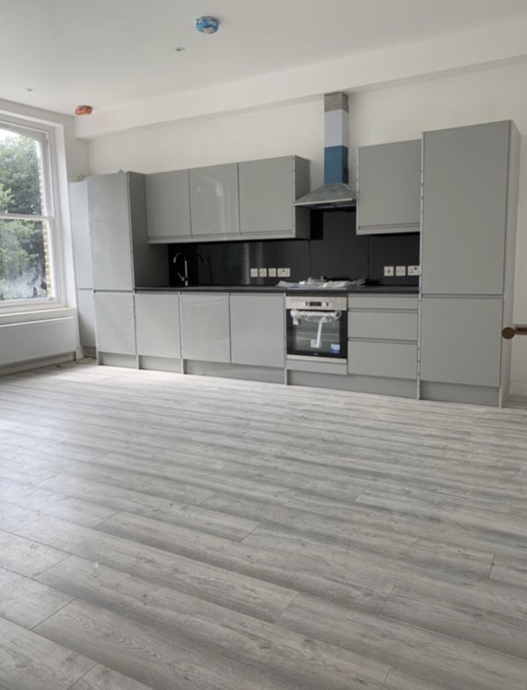 Property To Rent In London L2L395-3214