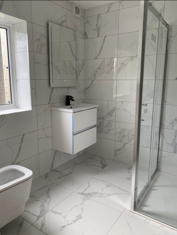 Student To Rent In London L2L395-3214