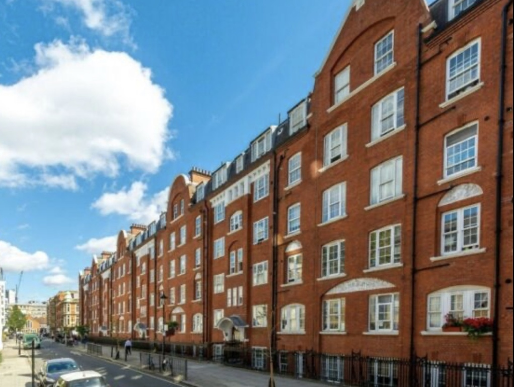 Property To Rent In London L2L395-3216