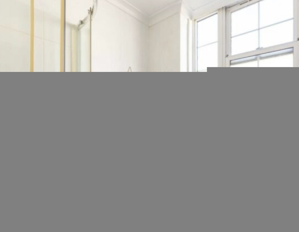 Student To Rent In London L2L395-3216