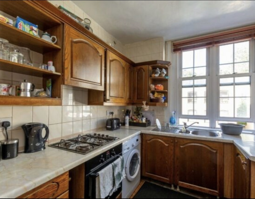 Student To Rent In Victoria L2L395-3216