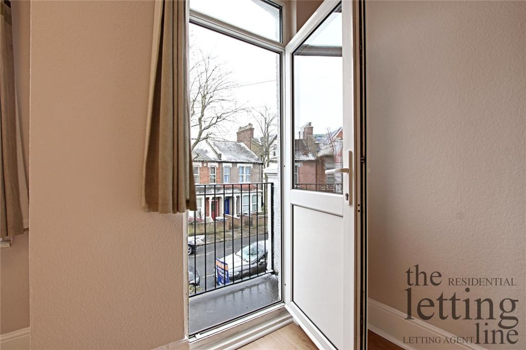 Flats And Apartments To Rent In London L2L3970-100