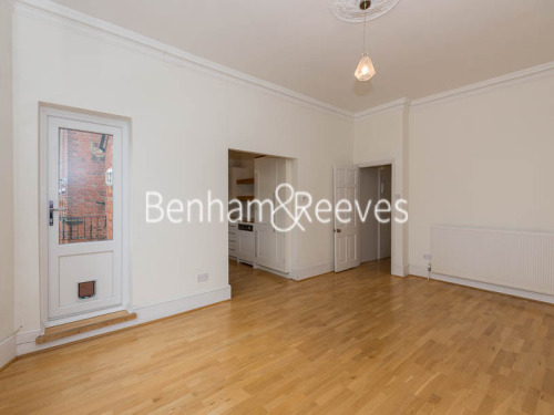 Property To Rent In London L2L398-263